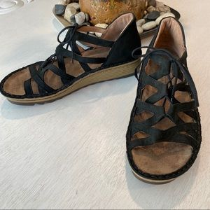 NAOT Yarrow Lace Gladiator Sandals Platform 39